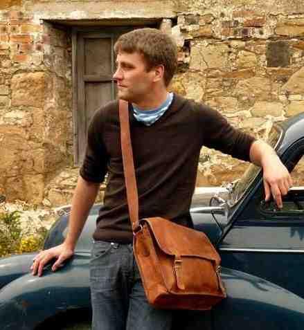 Comment porter un sac à main jaune?