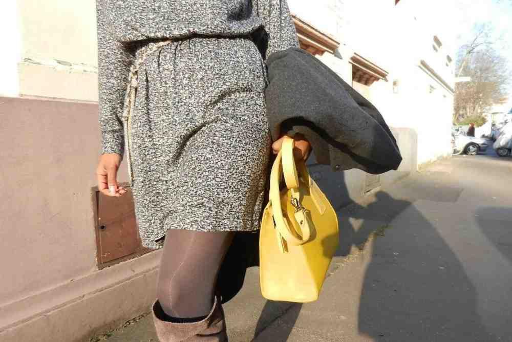 Comment porter un sac jaune moutarde?