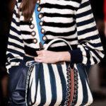 Comment porter un sac en bandoulière femme ?